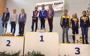 Dritter Rang für Aline Geiges, Muriel Hauch und Aölexandra Köhle bei den D10
